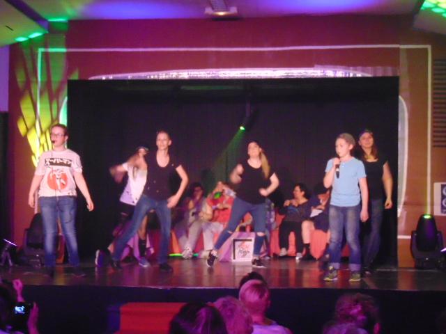 21 Hugo et Lubin et les danseuses